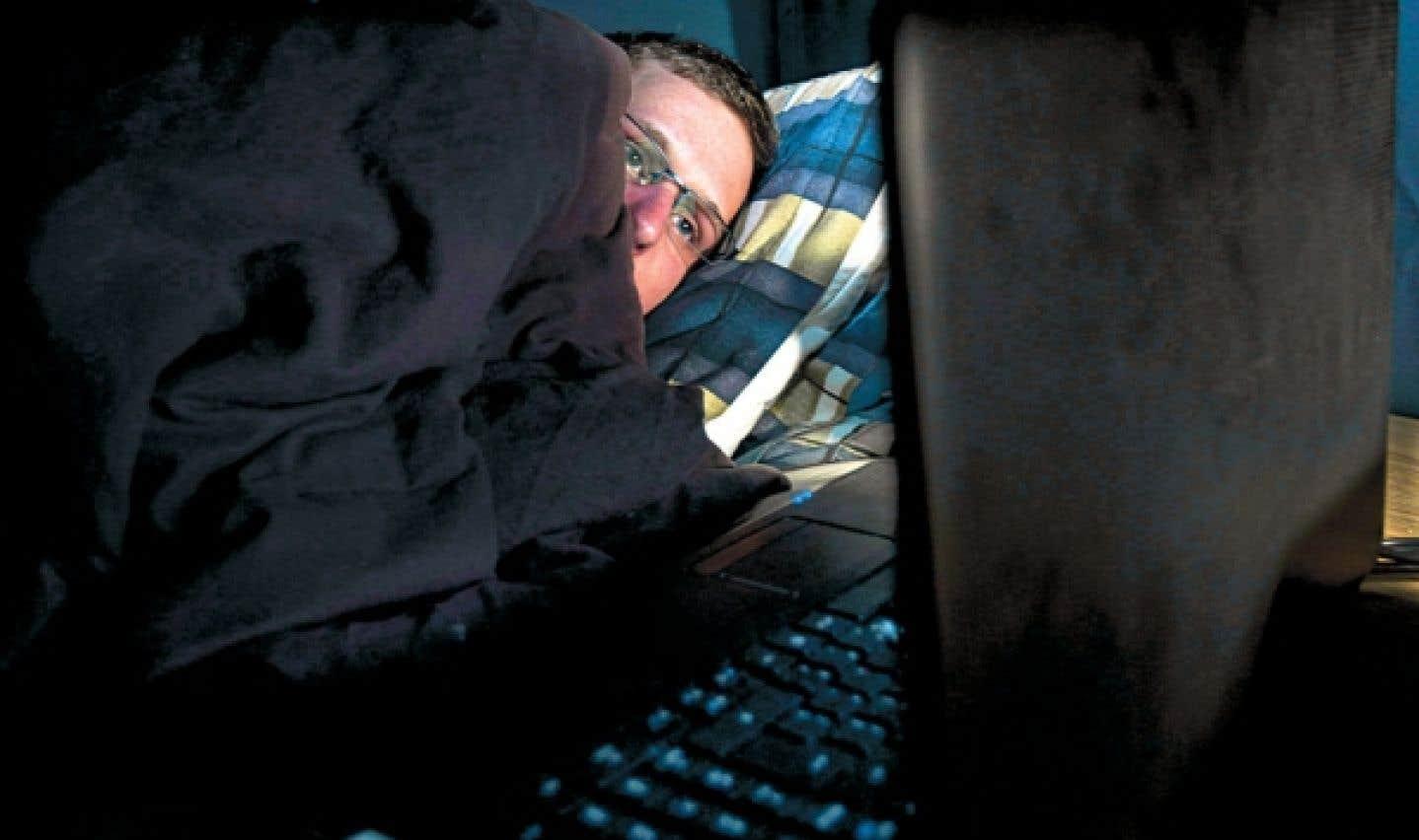 Environ 40 % des Canadiens présentent au moins un symptôme de l'insomnie.