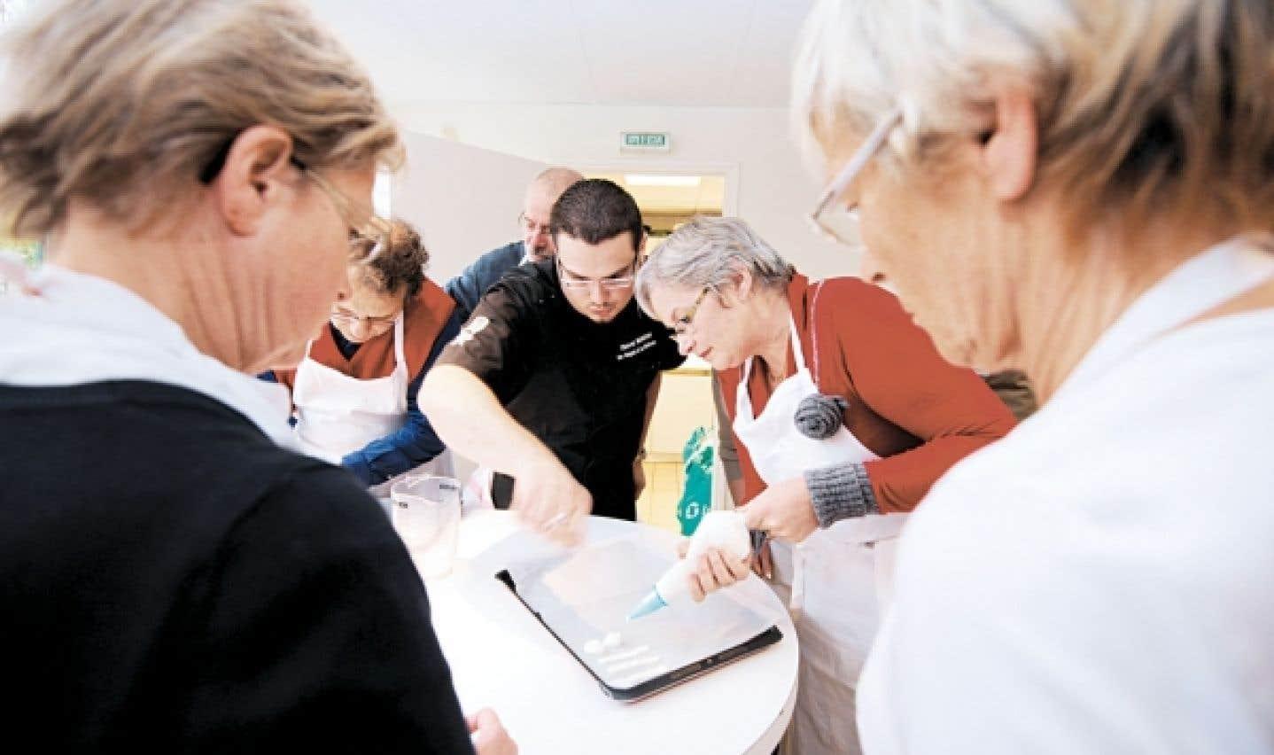 Un cours de cuisine fera plaisir aux amoureux des arts culinaires.