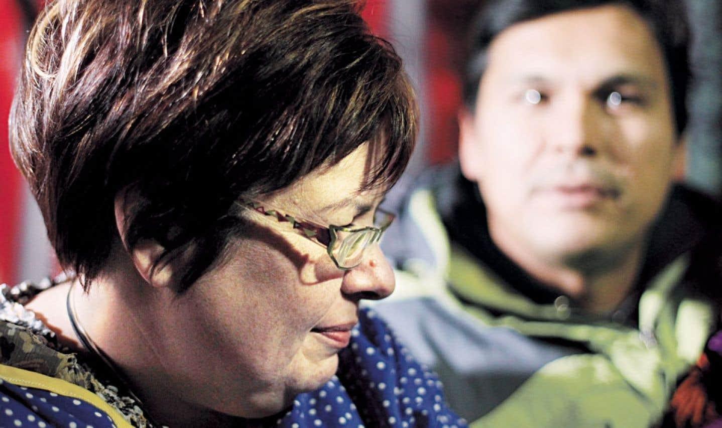 Trudeau rencontre la chef Theresa Spence