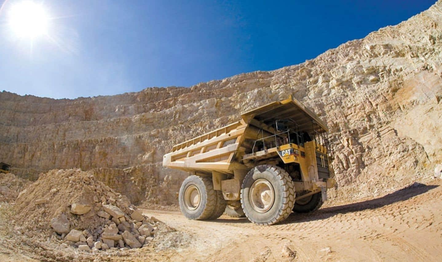 Redevances - Les libéraux pressent le PQ d'adopter une nouvelle loi sur les mines