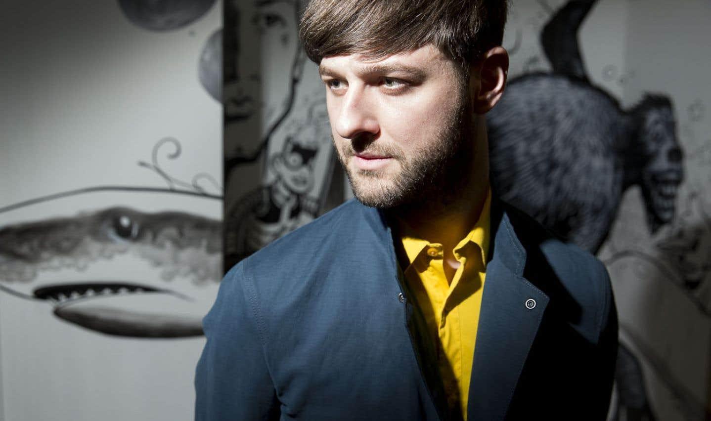 Pierre Lapointe - Un chanteur nu dans des habits multicolores
