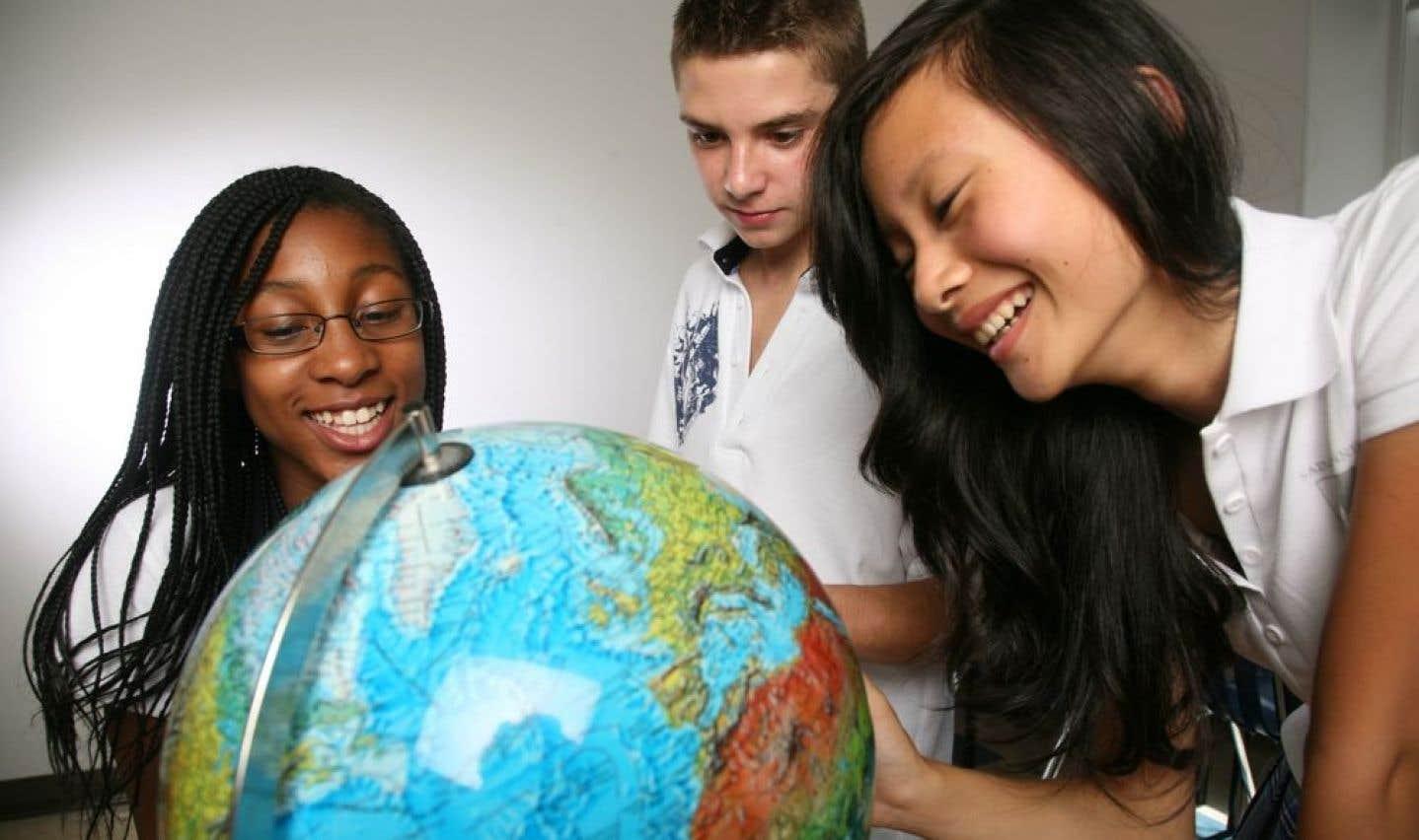 Le FAQDD a financé, de 2001 à 2003, le projet La Terre dans votre assiette, qui avait pour mission de sensibiliser les jeunes des écoles primaires et secondaires aux conséquences, sur la santé, l'économie et l'organisation des sociétés, des activités humaines liées à l'alimentation.
