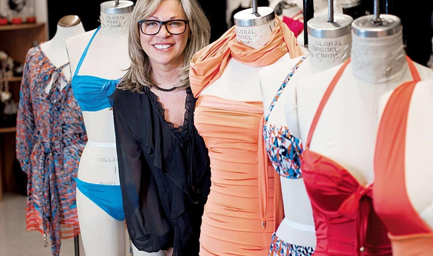 Chantal Lévesque au milieu de ses créations : «Je ne sais pas pourquoi, mais j'adore les maillots de bain et je trouve qu'ils ressemblent à des robes de soirée.»