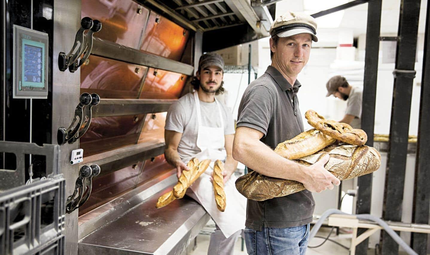 Un peu chimiste, un peu mécanicien et beaucoup boulanger, Martin Falardeau tient fourneau au Pain dans les voiles, qu'il a cofondé avec François Tardif. Il représentera le Canada au Mondial du pain en France à partir du 25 septembre.