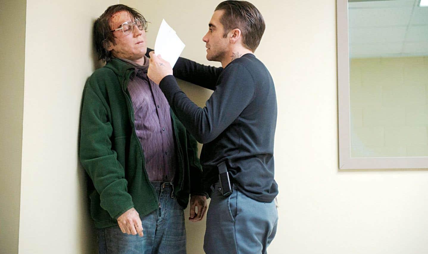 Jake Gyllenhaal incarne Loki, mystérieux justicier apparemment au service d'une justice divine davantage qu'humaine dans cette ville où rien ne va plus. La direction d'acteurs de Denis Villeneuve atteint ici des sommets.