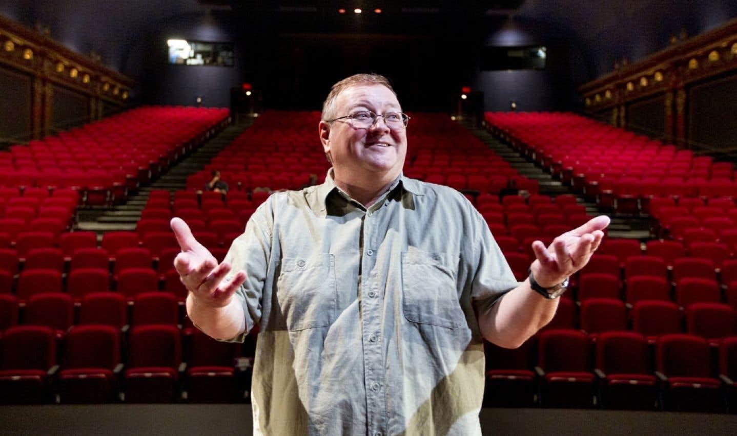 Directeur artistique du Théâtre Denise-Pelletier depuis 1995, Pierre Rousseau croit que la pertinence de son théâtre, celle d'éveiller les jeunes à l'art et à la culture, est vitale dans un contexte de réforme scolaire où l'on valorise davantage les compétences que les connaissances.