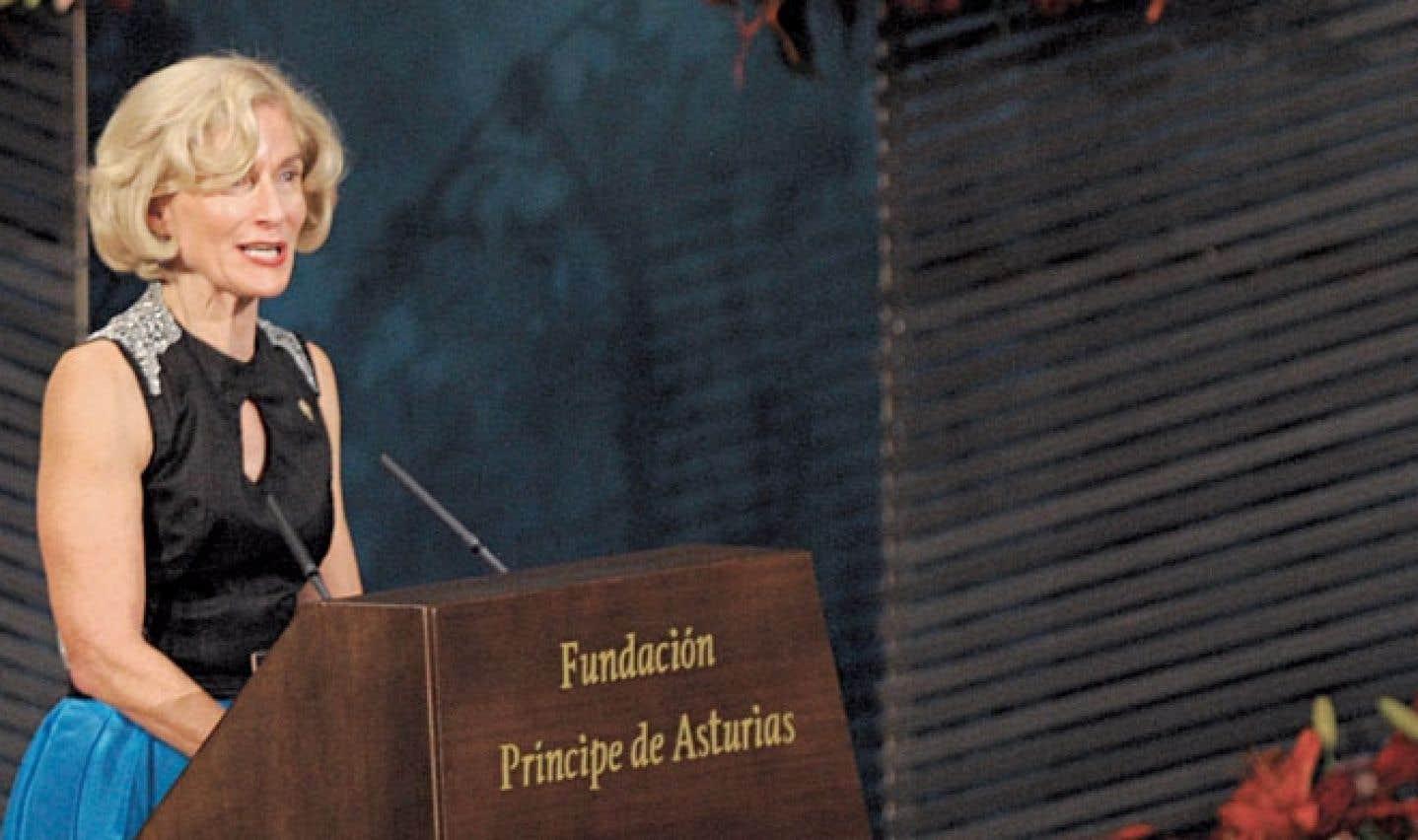Martha C. Nussbaum prononce un discours après avoir reçu le prix des sciences sociales Prince des Asturies lors d'une cérémonie à Ovideo, en Espagne, le 26 octobre 2012.