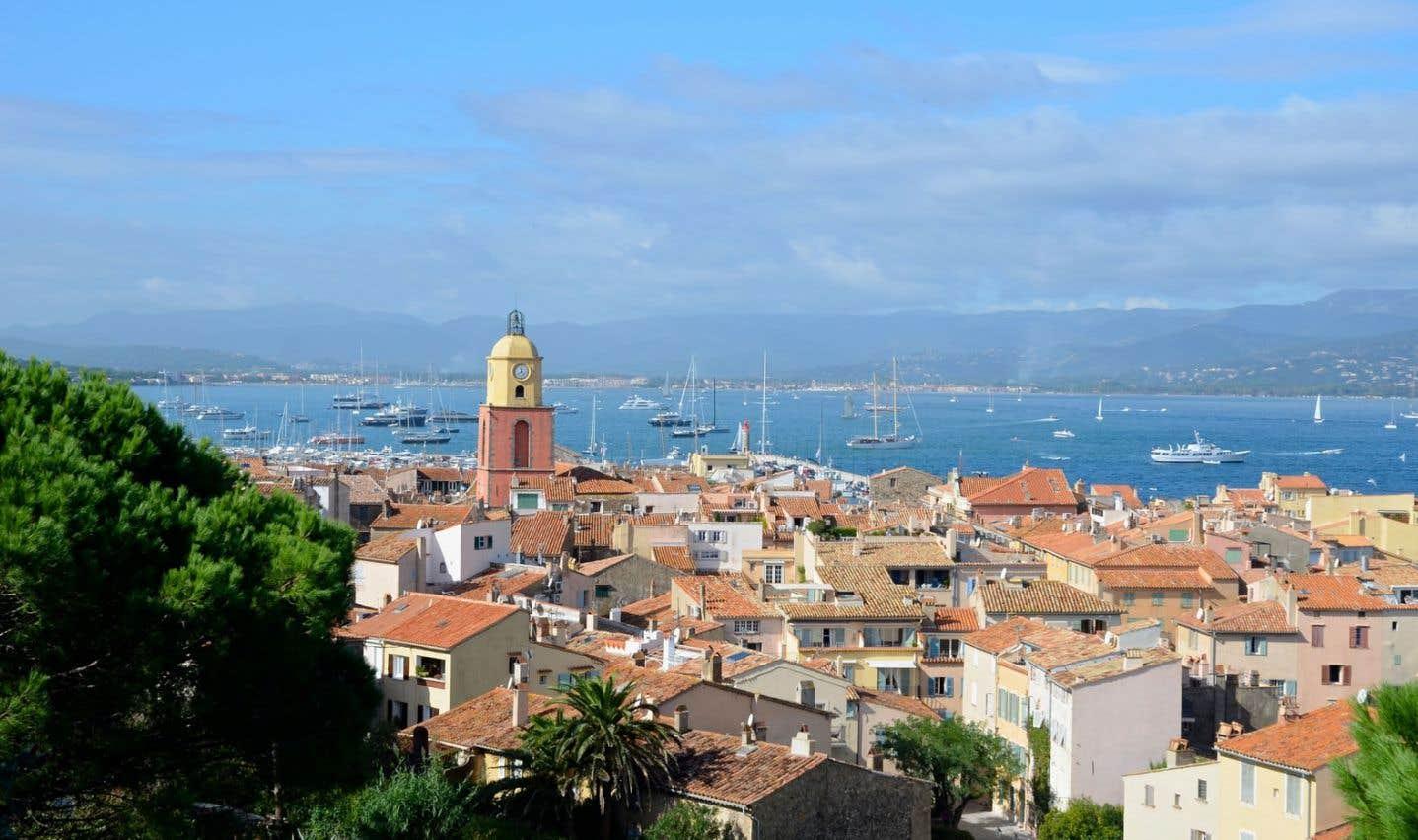 La ville de Saint-Tropez vue de la citadelle.