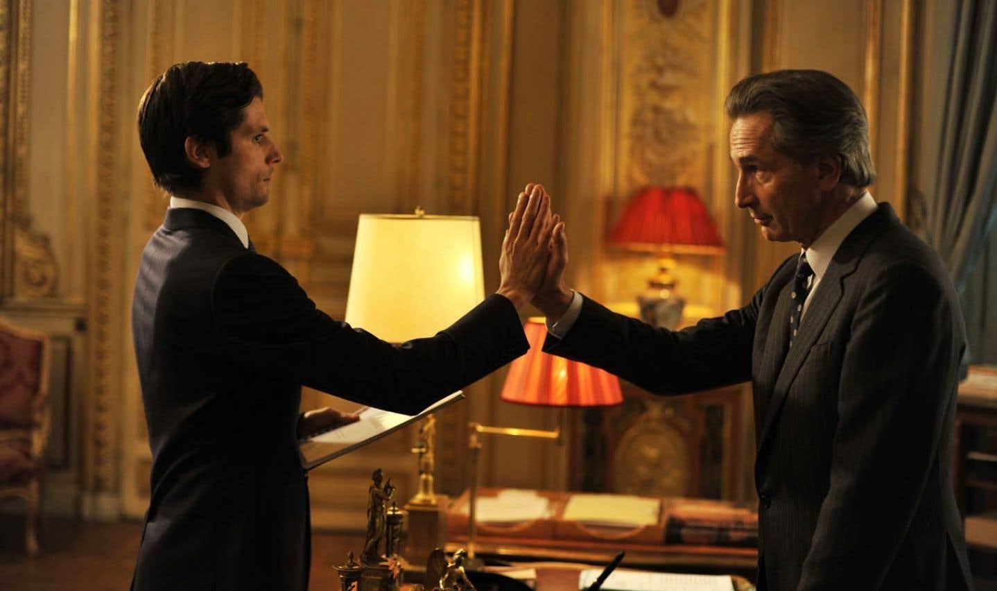 Raphaël Personnaz et Thierry Lhermitte dans Quai d'Orsay.