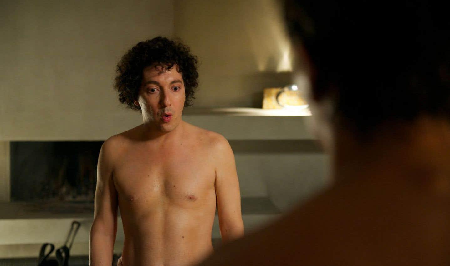 Dans le film Les garçons et Guillaume, à table!, Guillaume Gallienne tient le double rôle de la mère et du fils.