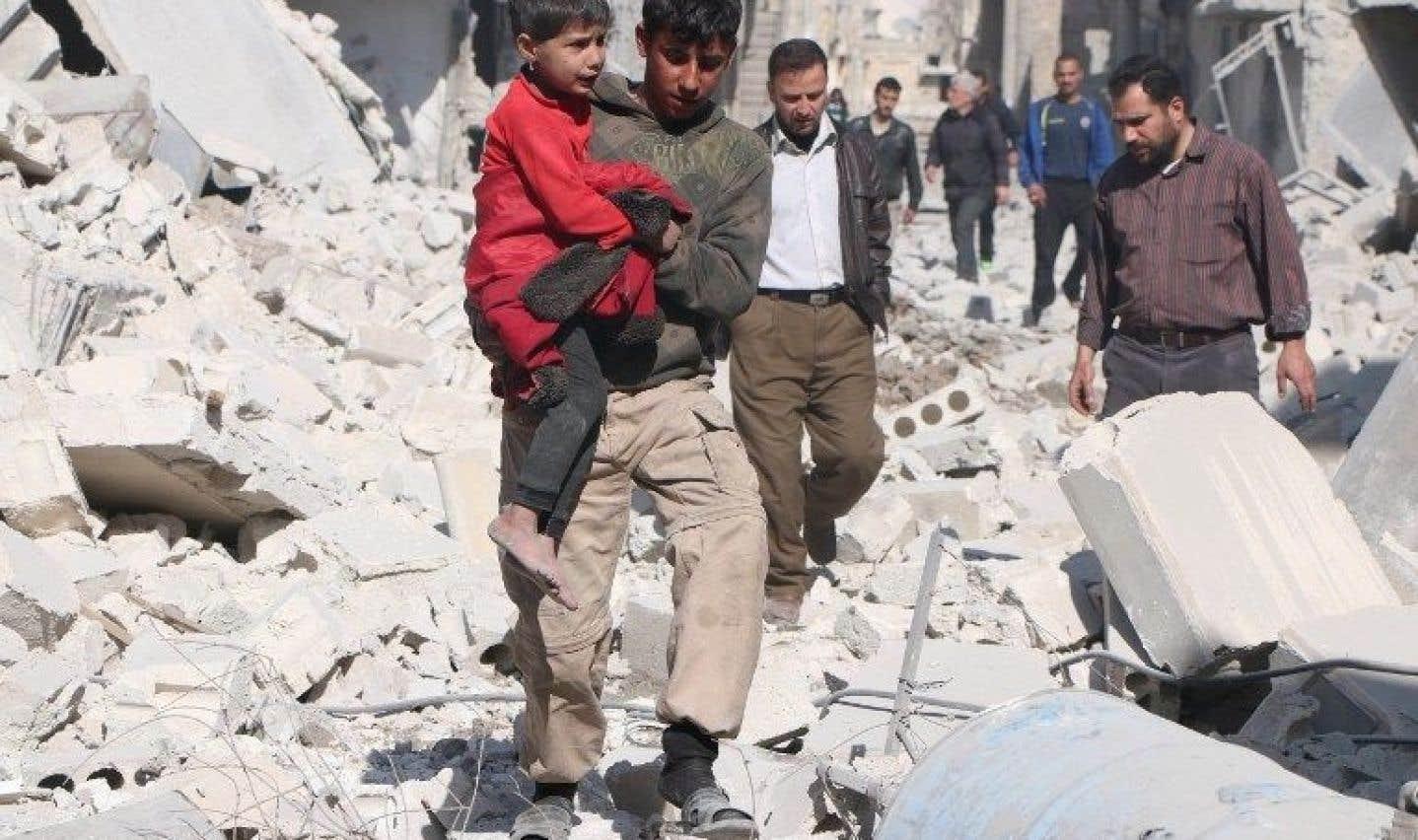 Trois ans de combats et bombardements ont contraint plus de neuf millions de personnes à la fuite et détruit le pays, plongé dans une crise humanitaire majeure dans laquelle les enfants sont en première ligne.
