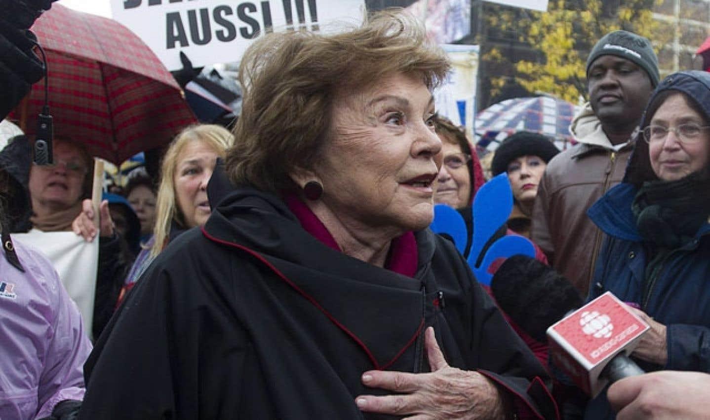 Janette Bertrand lors de la manifestation pour la charte des valeurs québécoises, en octobre 2013.