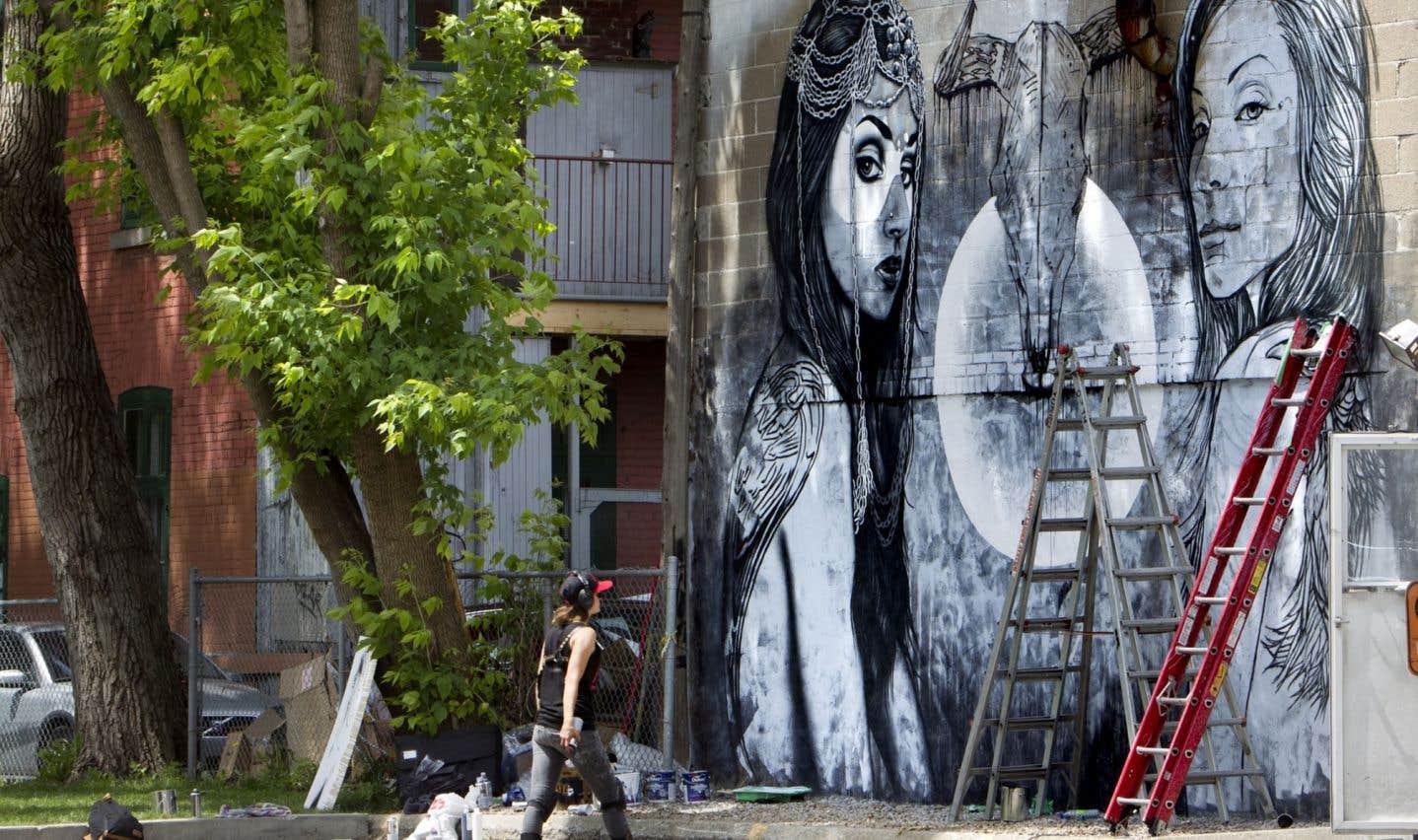 Montréal fourmille d'artistes et le Conseil des arts de Montréal tente de les soutenir de différentes manières.