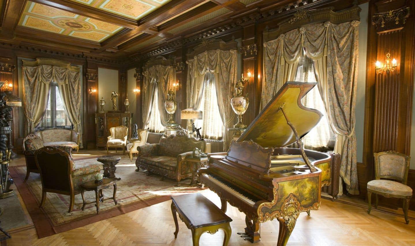 Le salon de la Maison Dufresne, dans le quartier Hochelaga-Maisonneuve à Montréal