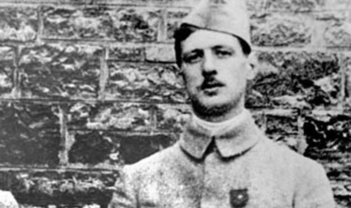 Sous l'orage d'acier, Charles de Gaulle subit son baptême de feu en août 1914