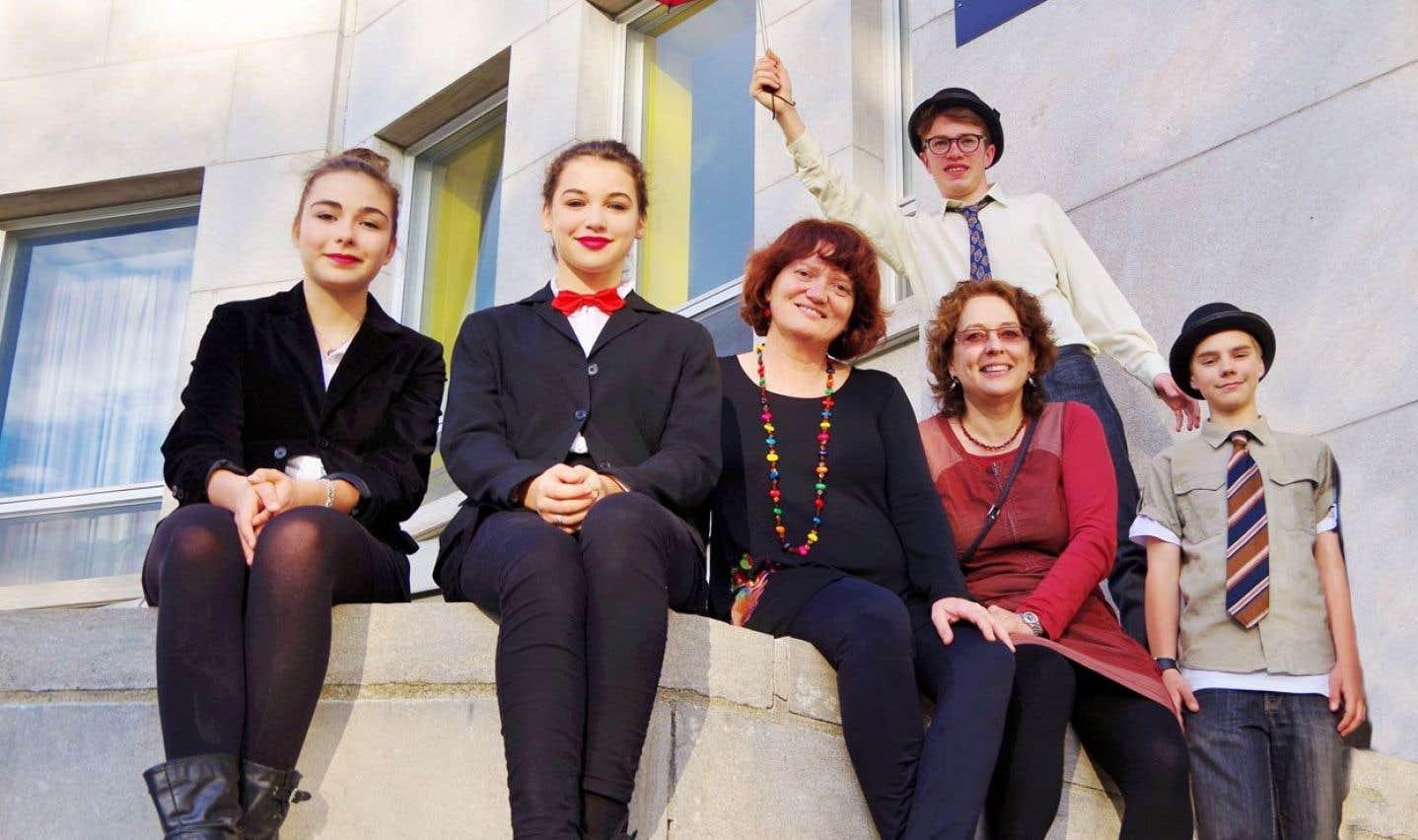 Les élèves du collège Stanislas ont relevé le défi d'une course à relais entre Montréal et Québec. Ce grand moment de camaraderie a lancé les festivités du 25e anniversaire du campus à Québec.