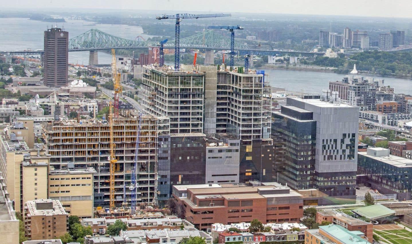Le directeur général du CHUM, Jacques Turgeon, assure que le nouvel hôpital devrait être fonctionnel dans le courant de 2017, après le déménagement de Notre-Dame.