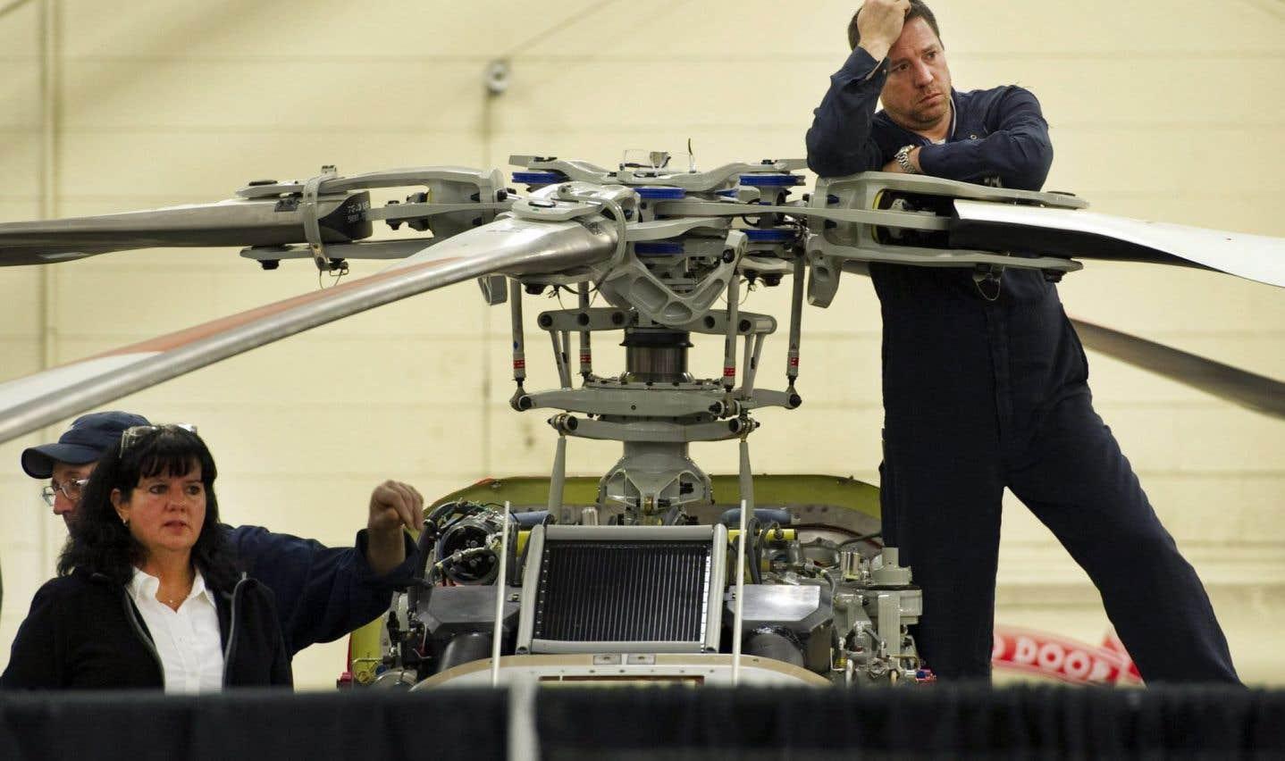 Journée sombre pour les travailleurs de Bell Helicopter à Mirabel, qui ont appris mardi que 300 d'entre eux perdront leur emploi. À l'échelle de la compagnie, c'est 1100 travailleurs qui seront mis à pied.