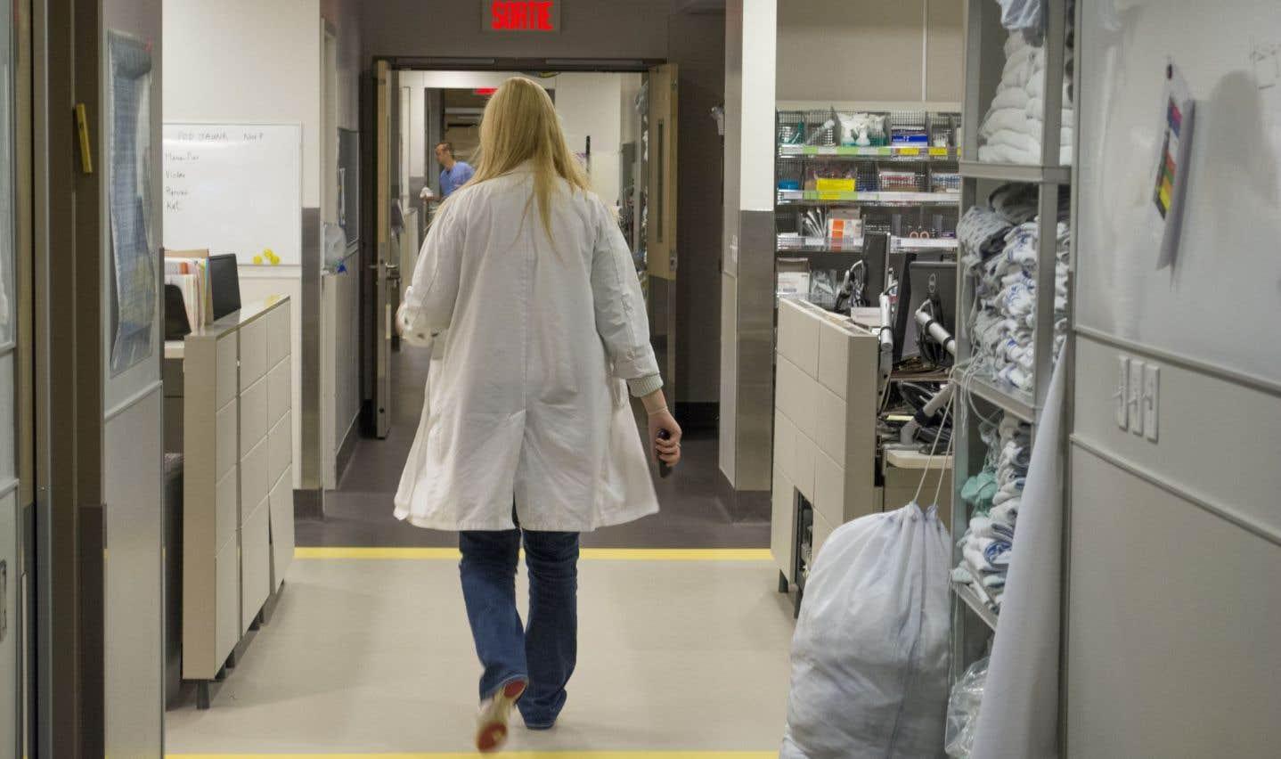 Des médecins préparent leur sortie
