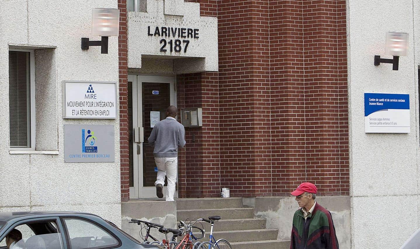 Le milieu hospitalier se retrouve avec le gros bout du bâton au détriment des CLSC, des GMF (groupes de médecine familiale), des centres jeunesse et de réadaptation, selon la Dre Leblanc, présidente de Médecins québécois pour le régime public.