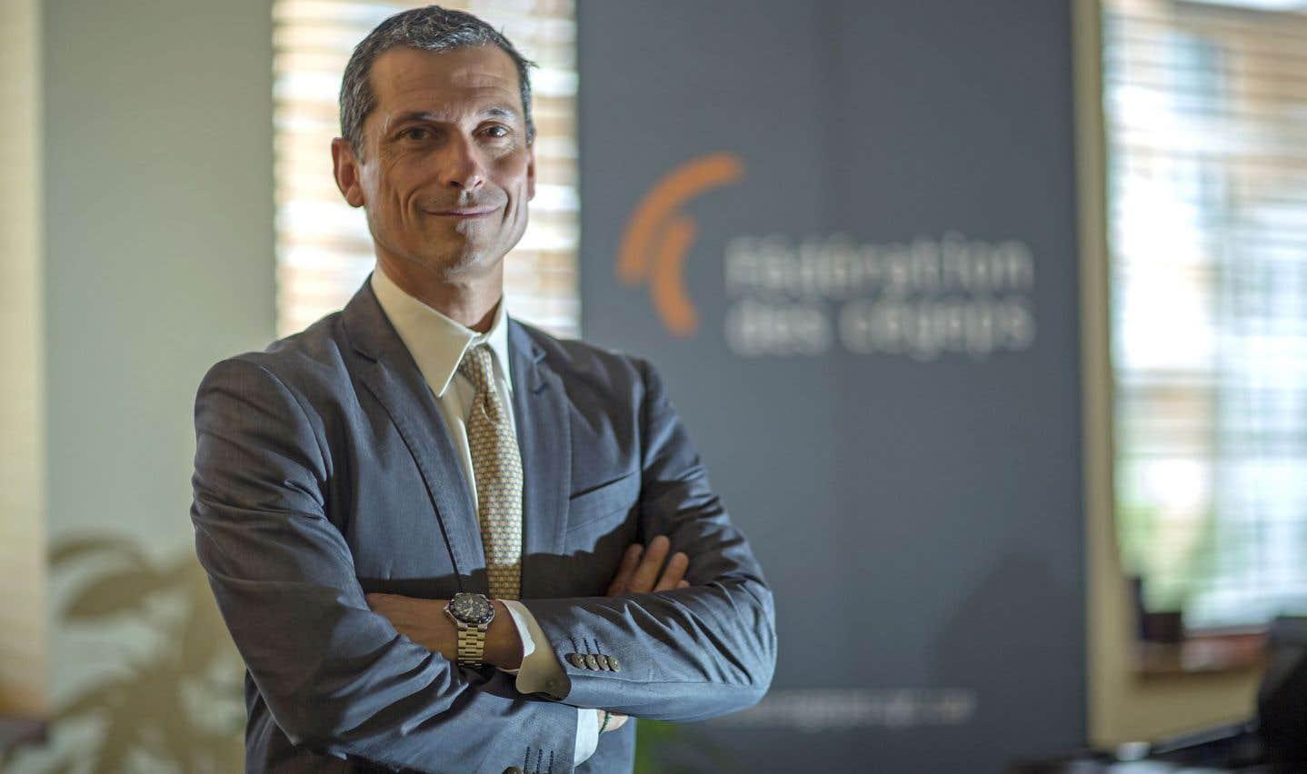 Le nouveau p.-d.g. de la Fédération des cégeps, Bernard Tremblay, s'inquiète de l'impact à long terme des compressions en éducation sur la disponibilité de main-d'œuvre qualifiée au Québec.