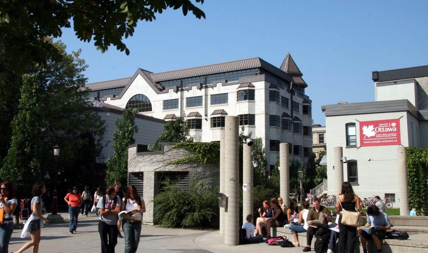 Les Franco-Ontariens réclament  leur université