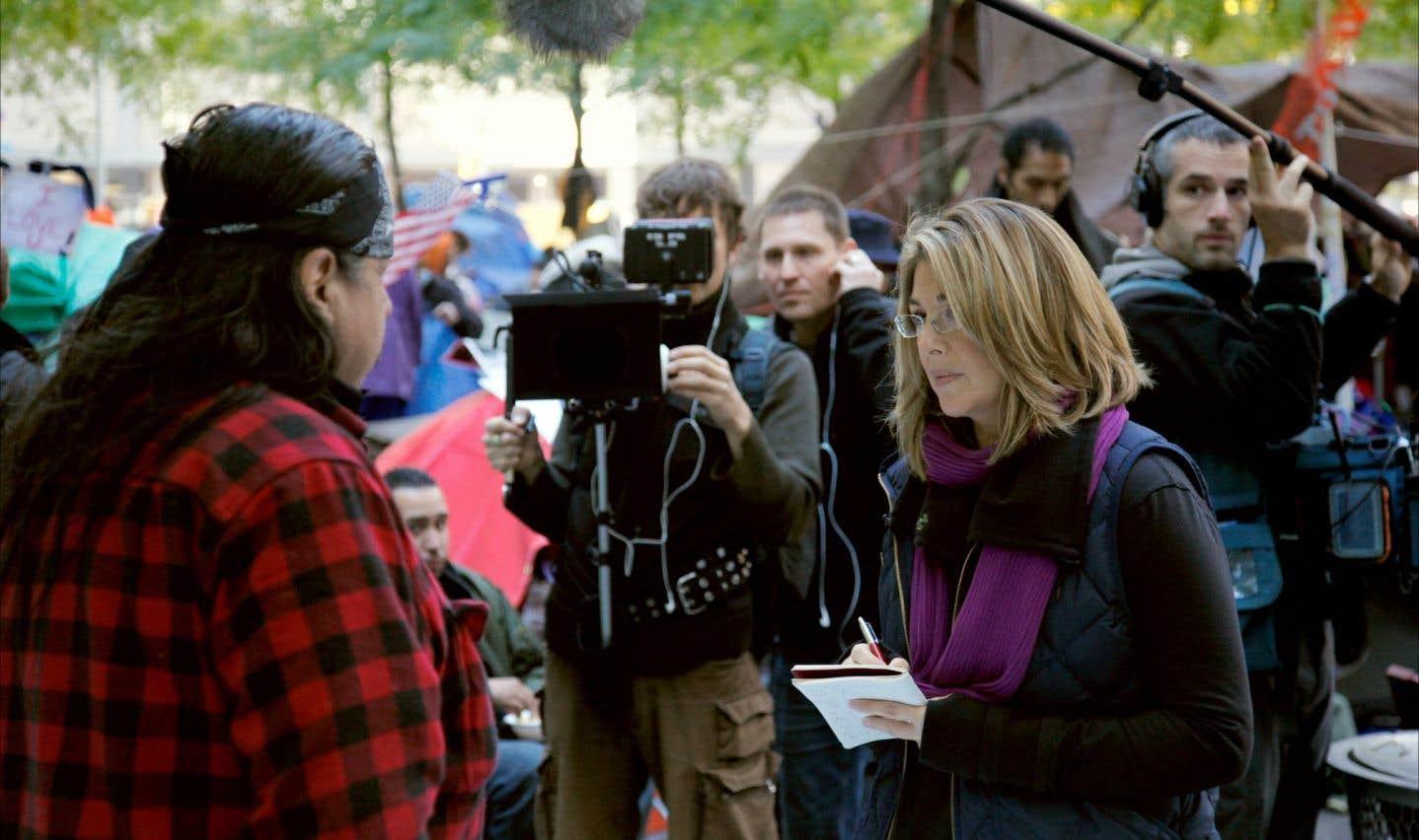 L'auteure et militante Naomi Klein en entrevue dans les rues de New York pour son documentaire «Tout peut changer»