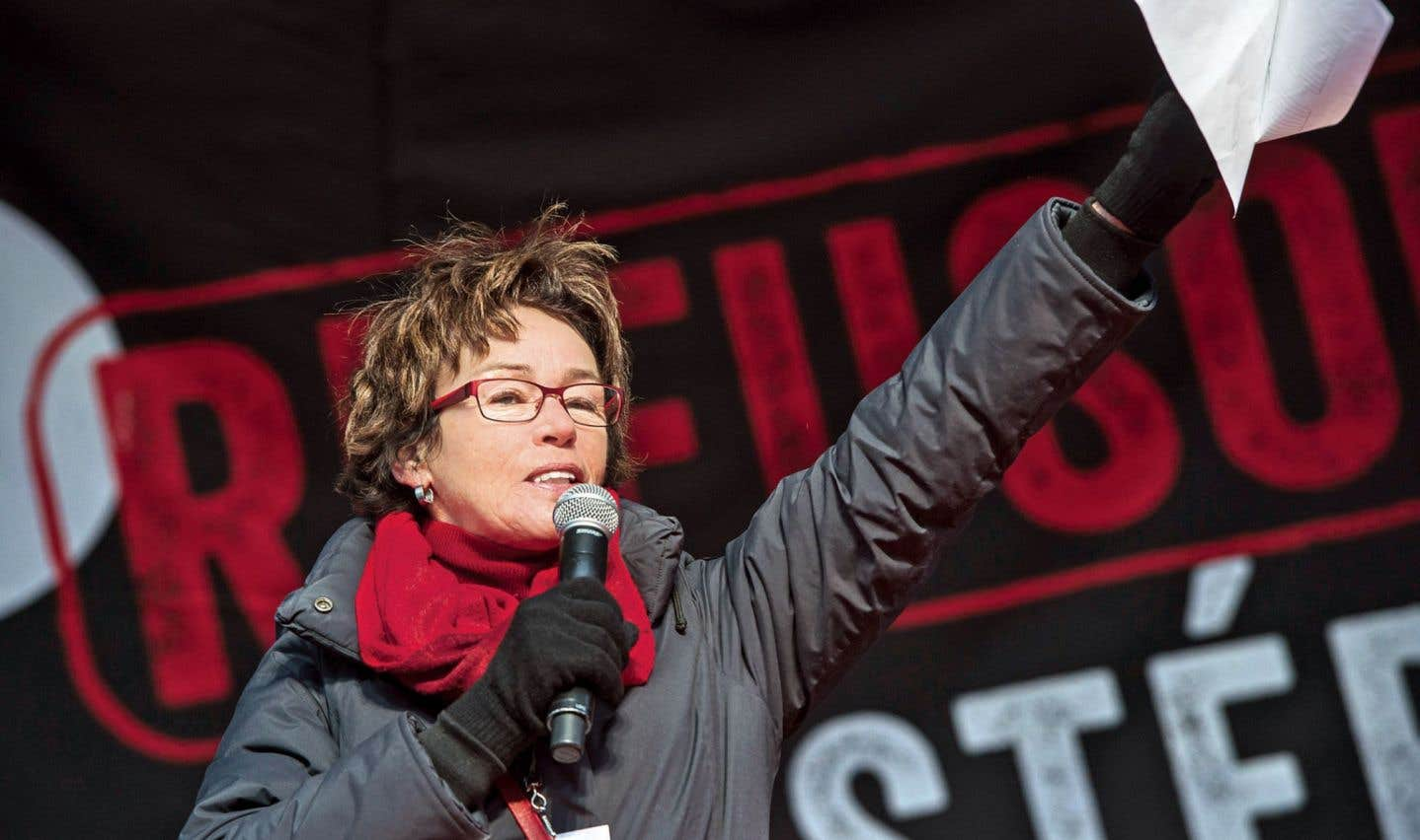 Selon la présidente de la CSQ, Louise Chabot, le gouvernement n'a pas réussi à influencer l'opinion publique parce que «ce qu'on voit partout, c'est la population qui appuie les travailleurs».