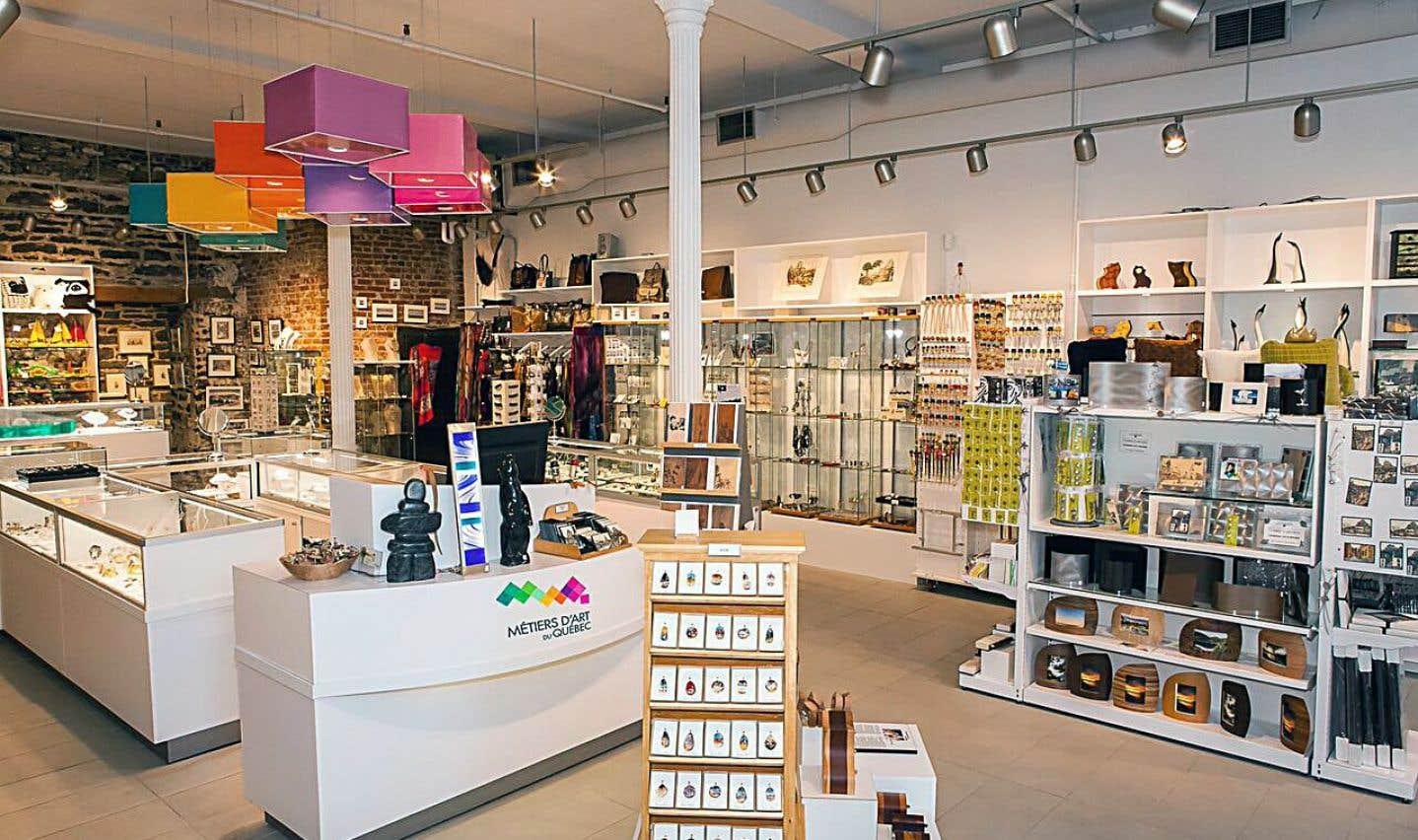 Il y a encore quelque temps, les boutiques spécialisées uniquement dans les métiers d'art québécois se comptaient sur les doigts d'une main; aujourd'hui, elles sont environ une douzaine à travers le Québec.