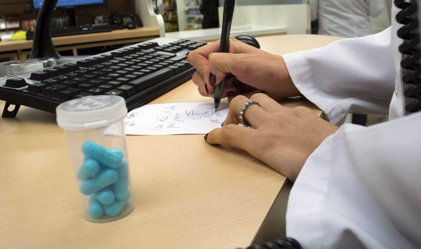 Selon MEQ, l'industrie québécoise du médicament générique procure plus de 200millions en revenus fiscaux par année au gouvernement du Québec.