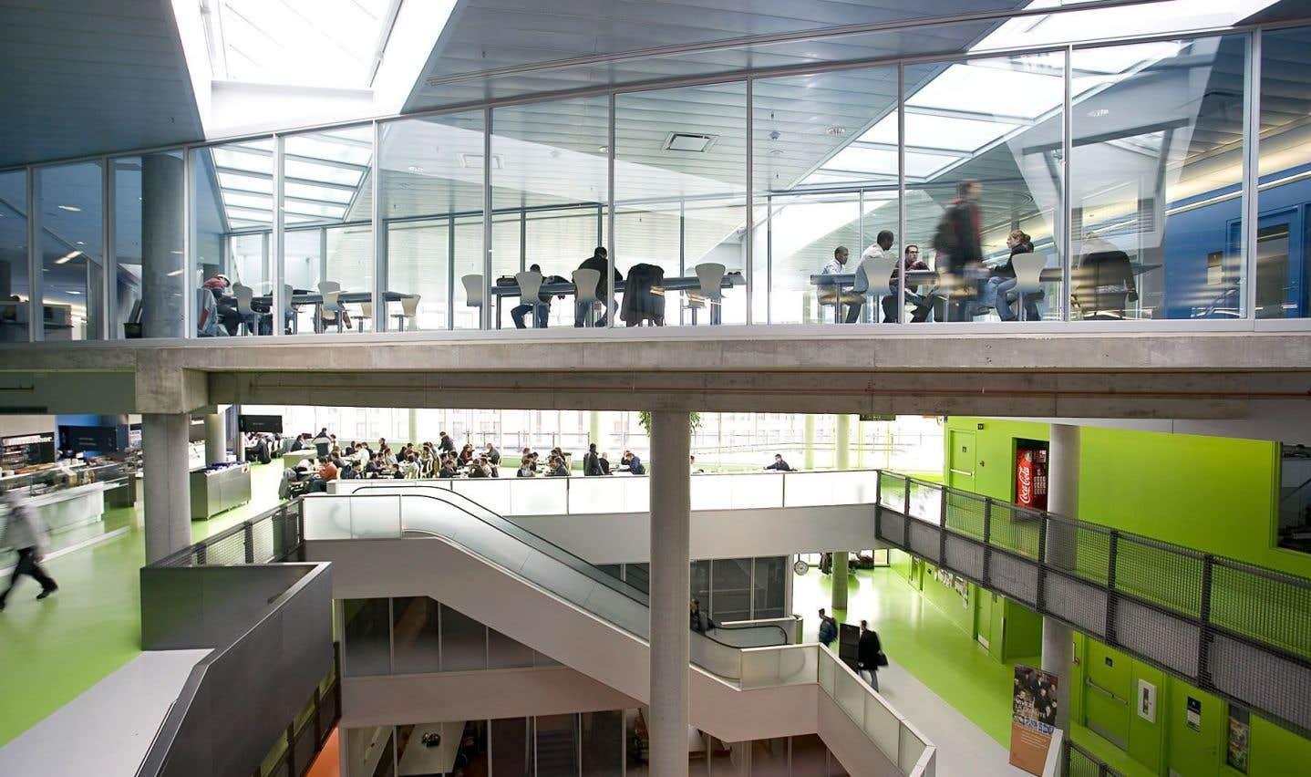Polytechnique Montréal se targue d'être l'établissement québécois avec le plus grand nombre d'ententes de double diplôme en génie.