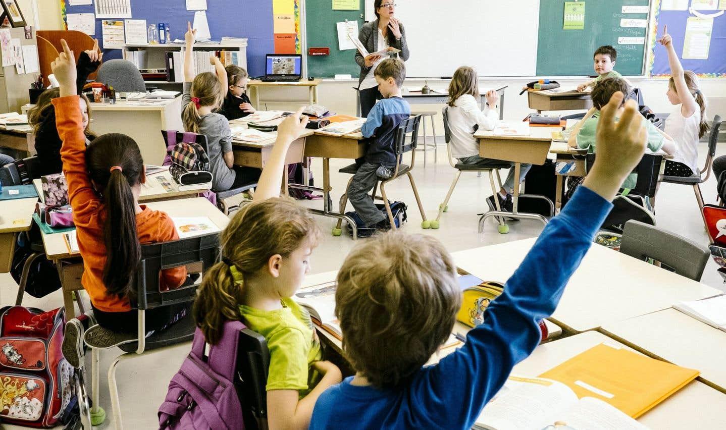 Ce qu'une école démocratique doit accomplir, c'est de permettre aux élèves d'avoir la capacité de comprendre d'où vient la richesse qu'ils consomment tous les jours.