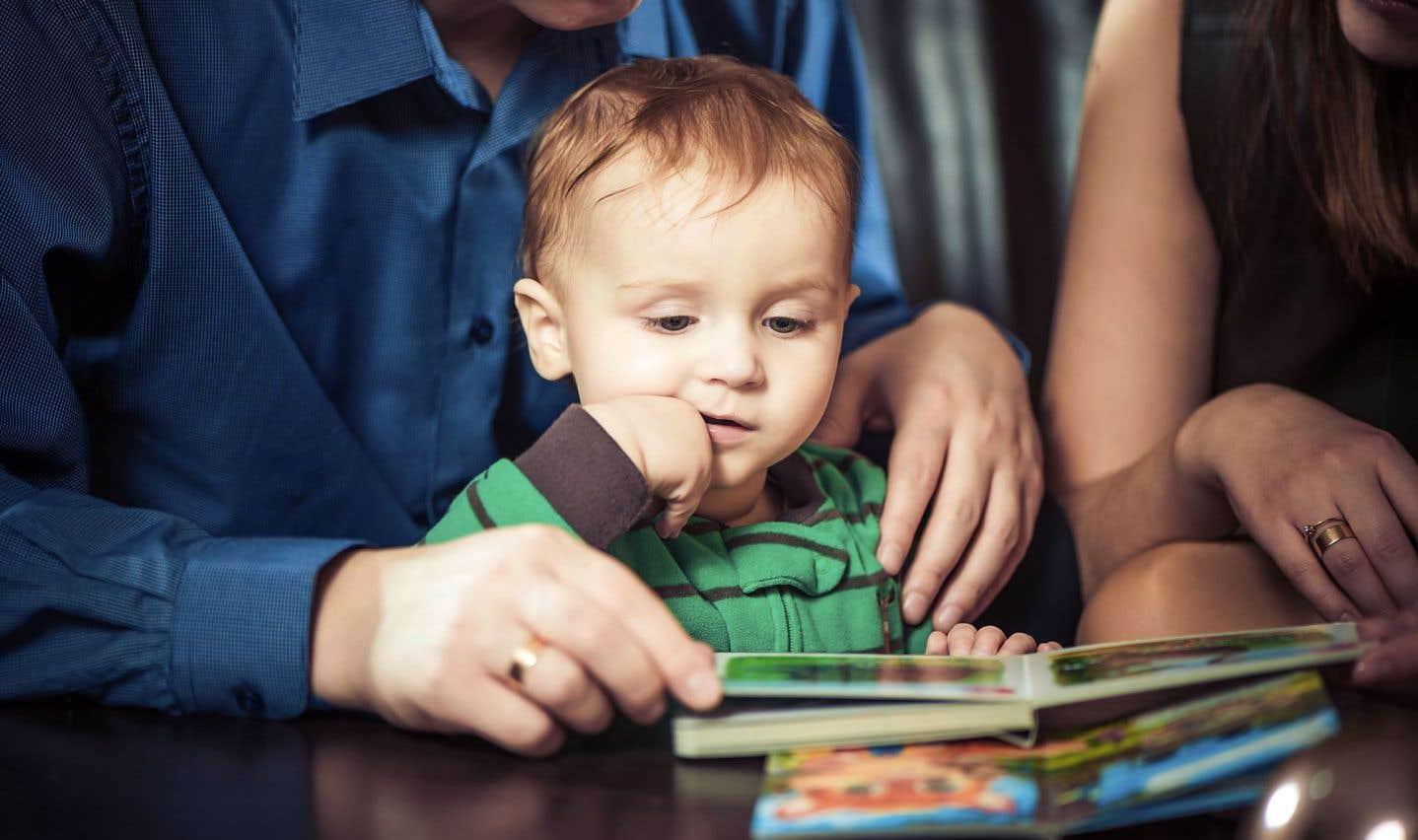 Selon, Catherine Dolto, les bébés accompagnés ont un autre développement. Ils ont un autre tonus. Ils sont plus présents, plus éveillés, plus calmes.