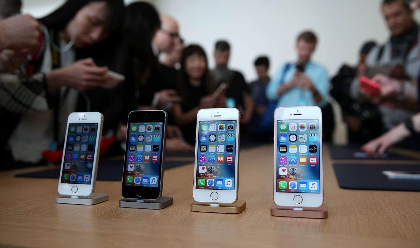 Le bénéfice d'Apple souffre de la chute des ventes de iPhone