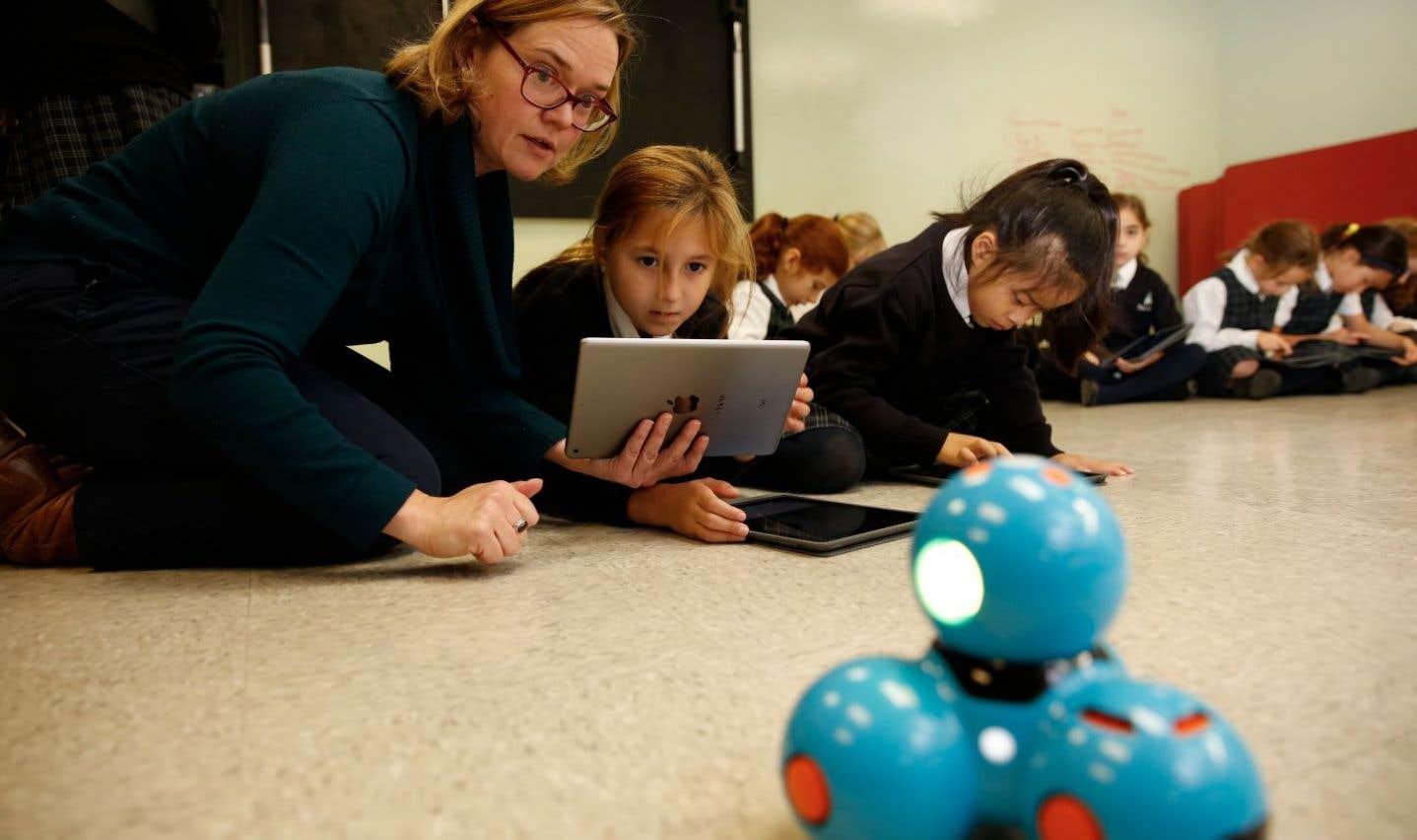 The Study met à la disposition des élèves le programme «Makerspace» depuis trois ans. Il s'agit en fait d'un véritable laboratoire-atelier dont disposent les jeunes filles pour développer leur pensée créative.