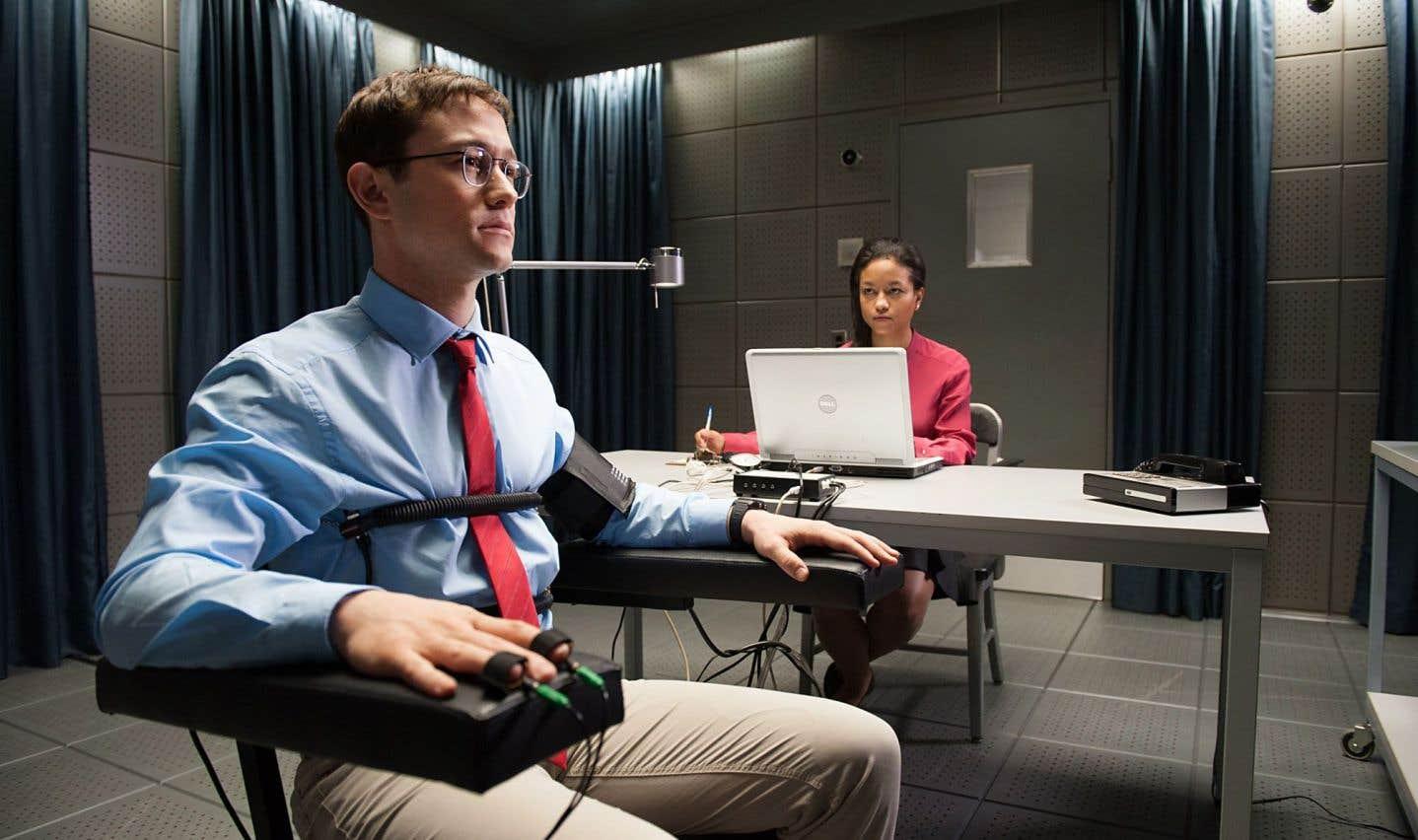 Dans «Snowden», Oliver Stone, cinéaste de «JFK» et de «Nixon», se penche cette fois sur l'homme derrière les fuites massives de WikiLeaks.