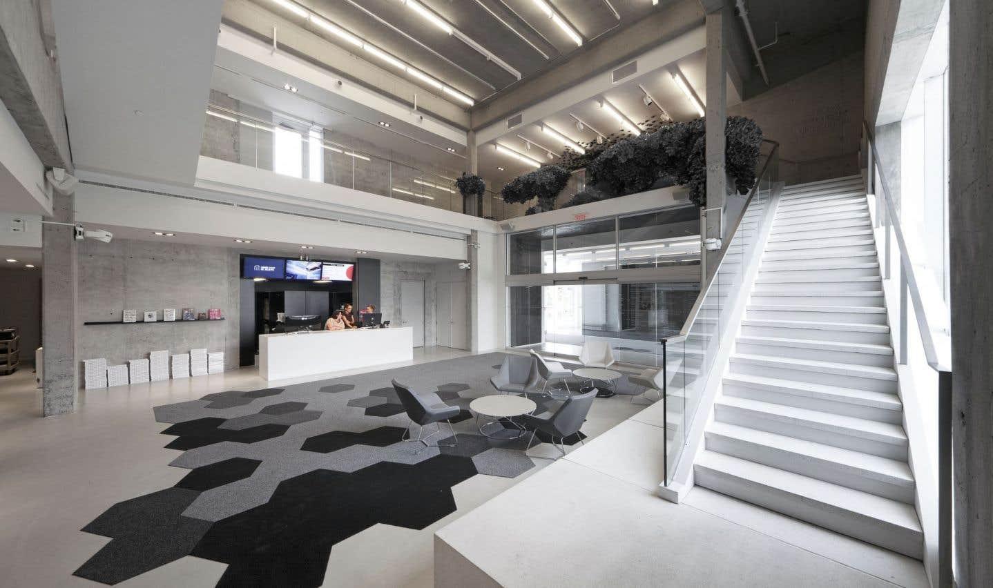 Le musée d'art de Joliette est rouvert depuis juin2015. L'architecture a été complètement repensée, et de façon magistrale. L'architecte Éric Gauthier en a fait un bâtiment ultramoderne avec de grands panneaux de verre laissant pénétrer la lumière à profusion.