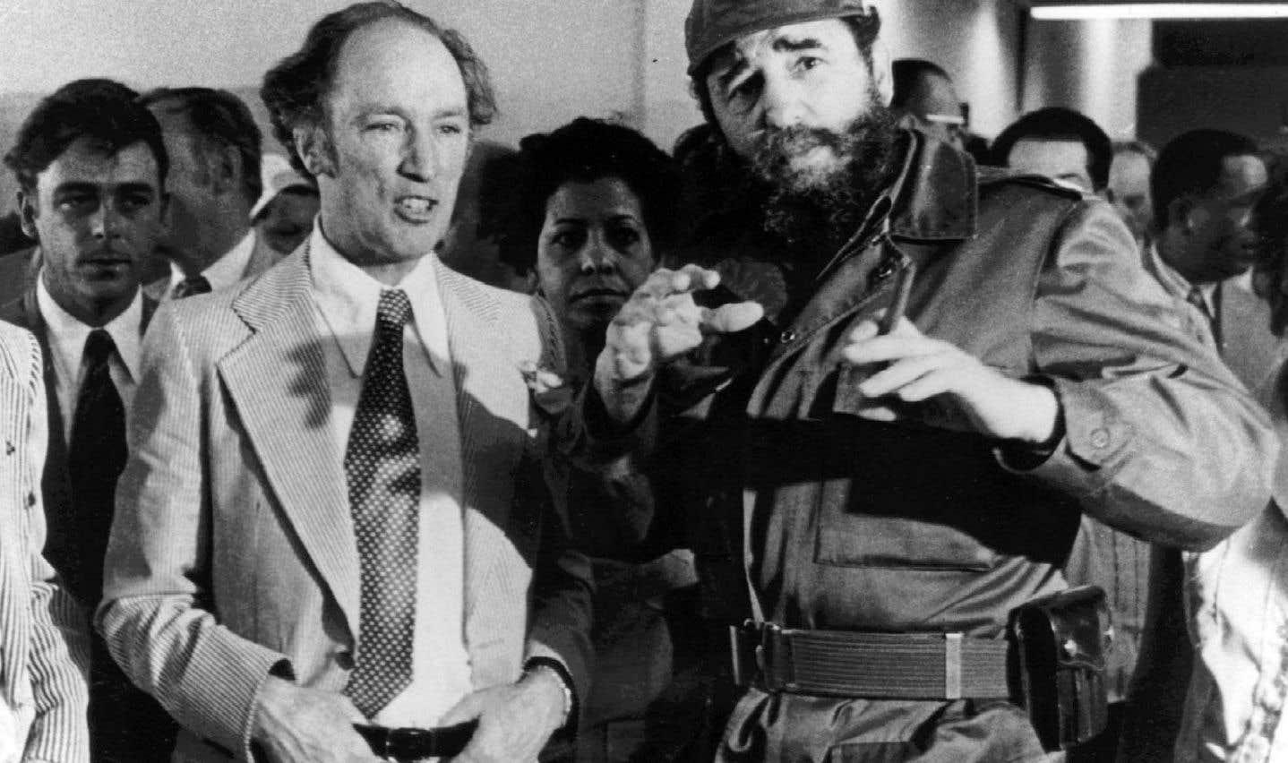 Pierre Elliott Trudeau en compagnie de Fidel Castro à La Havane, le 27 janvier 1976