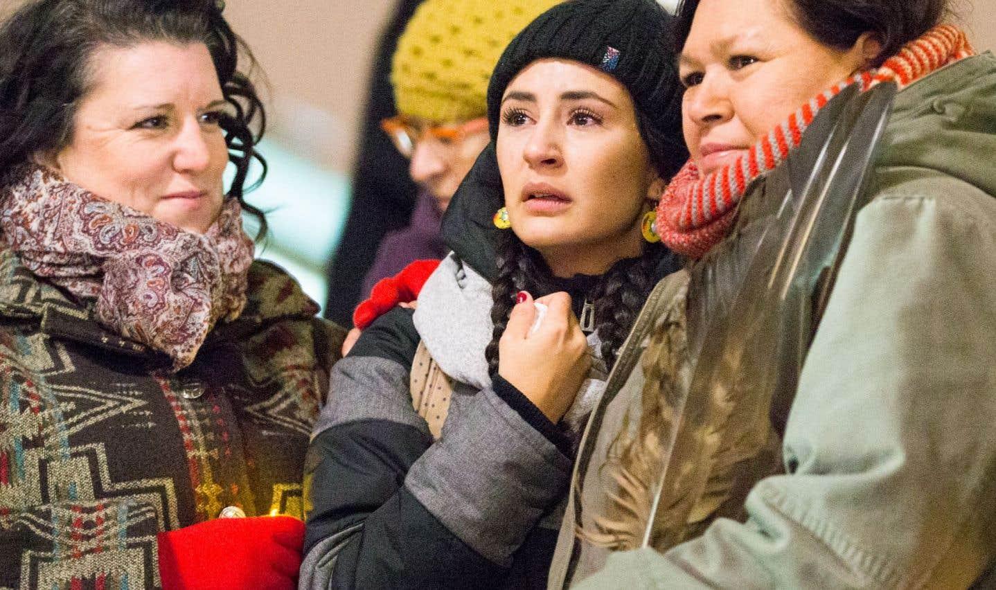 Autochtones: Couillard évoque une commission d'enquête publique