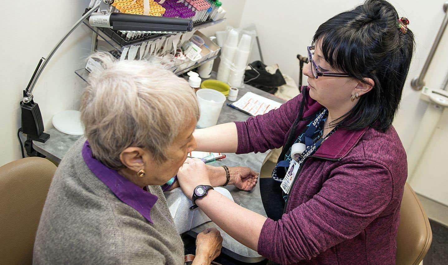 L'hôpital de la Cité-de-la-santé, à Laval, a subi des départs d'infirmières auxiliaires au module mère-enfant-famille et d'autres suppressions de postes en 2014 ou des non-remplacements et des ratios infirmière-maman-bébé qui ont été rehaussés.