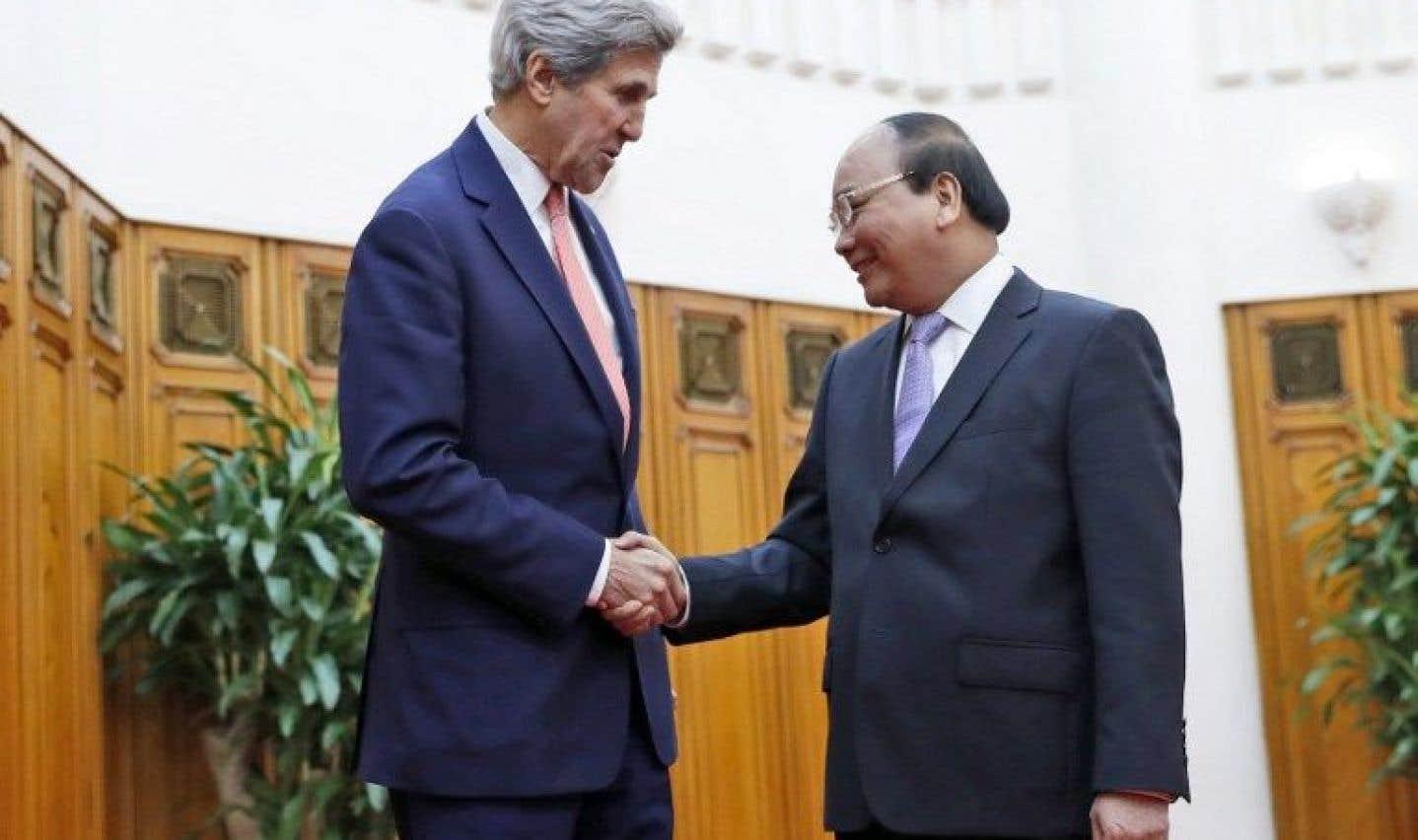Kerry réaffirme les liens entre les États-Unis et le Vietnam