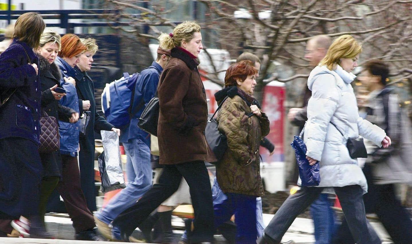 L'enjeu de la retraite est débattu depuis des années, en raison notamment de l'allongement de l'espérance de vie et le vieillissement de la population.