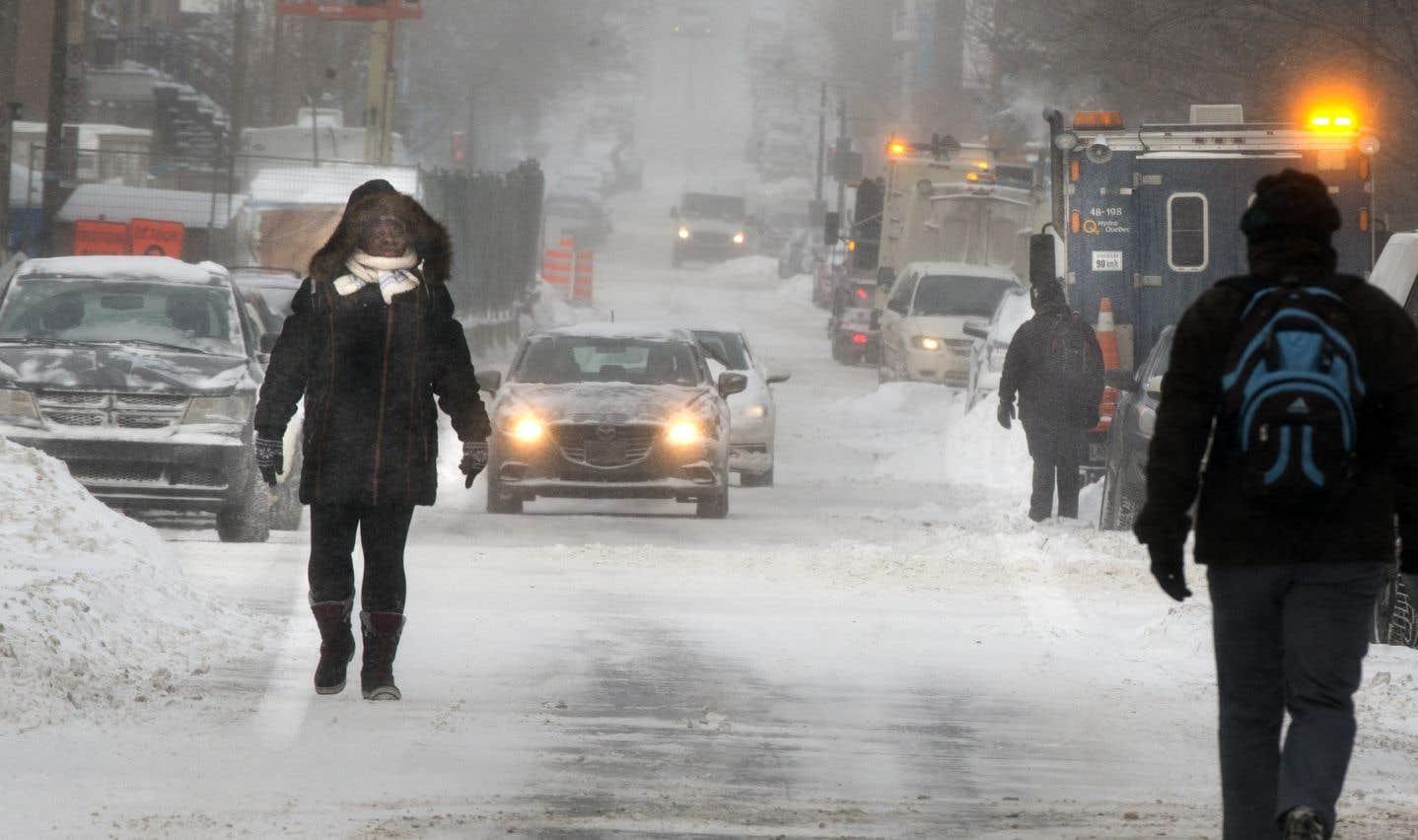 La région de la métropole devrait recevoir de 2 à 4 cm de neige et des rafales de 60 km/h.