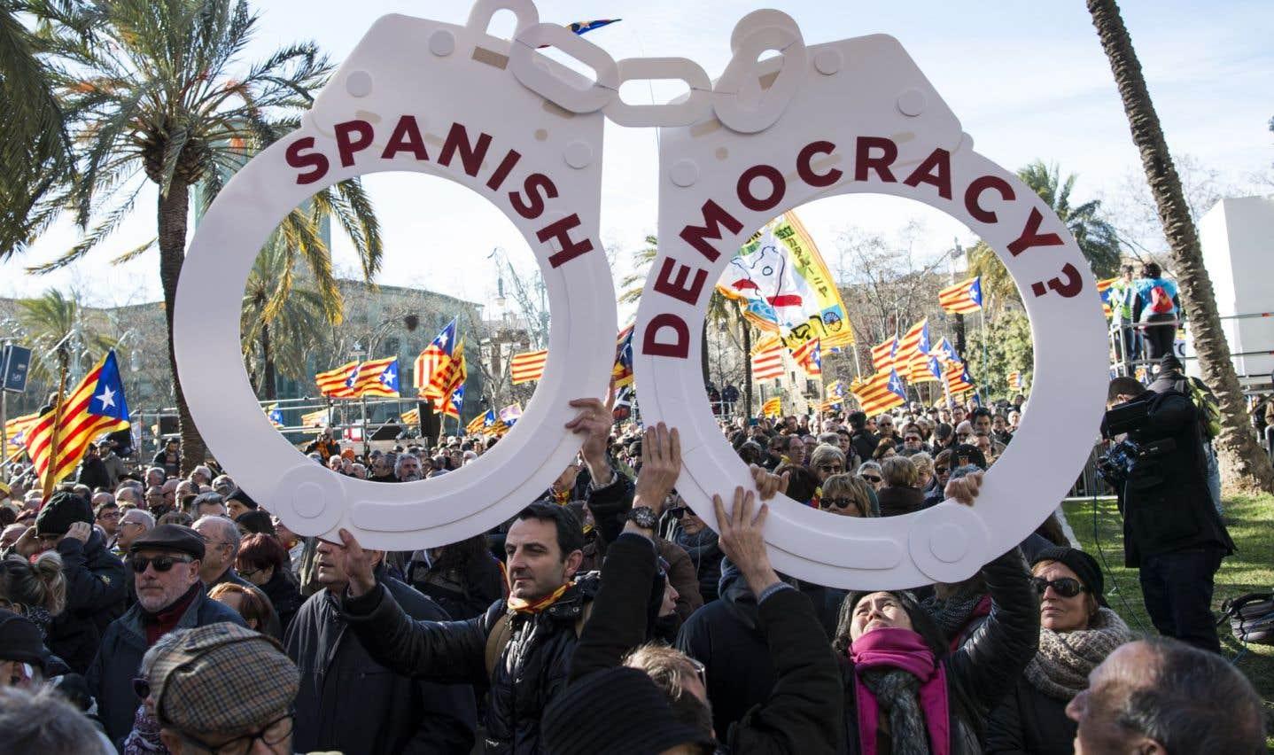 Catalogne: l'indépendantiste Mas défend la légitimité de ses actes