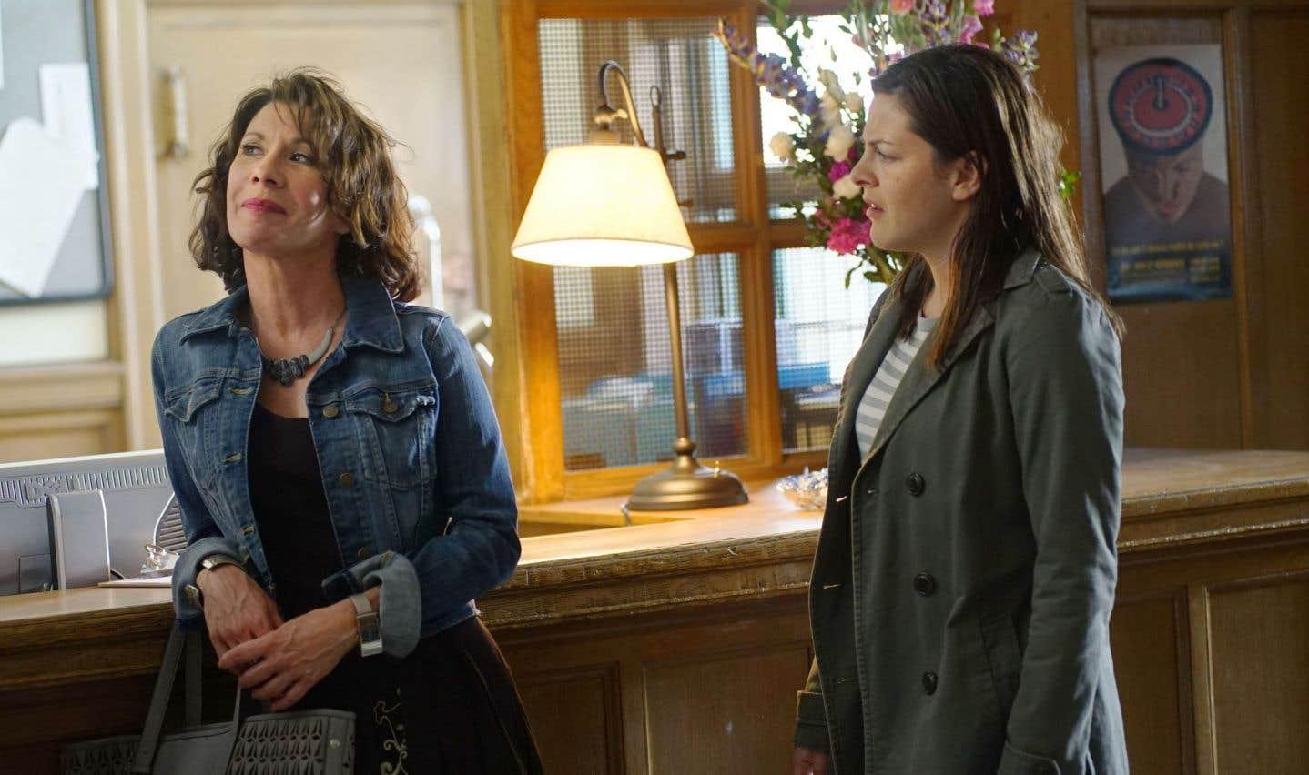 Madeleine (Sylvie Léonard) et Valérie (Sophie Cadieux) atteignent des sommets dans la névrose intergénérationnelle dans l'émission «Lâcher prise». Madeleine applique la F*ck thérapie à la lettre.