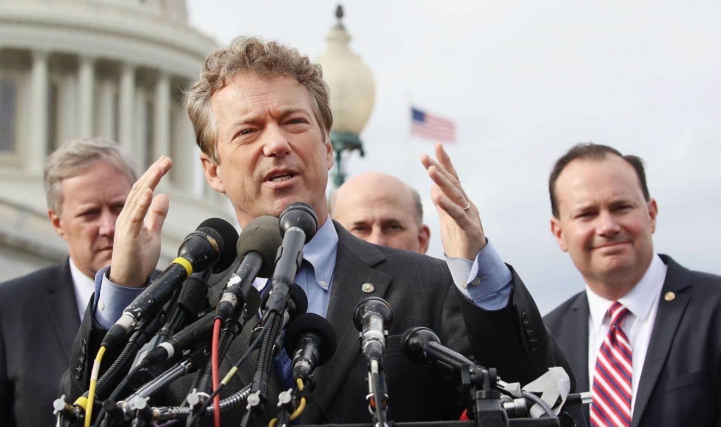 Le sénateur Rand Paul, tout comme le représentant Mark Meadows (à gauche) et le sénateur Mike Lee (à droite), fait partie des quelques républicains qui s'opposent au projet «Trumpcare».