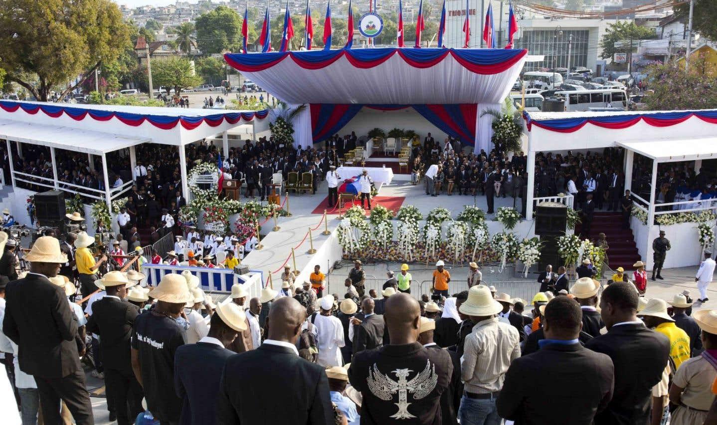 Des milliers d'Haïtiens font leurs adieux à l'ex-président René Préval