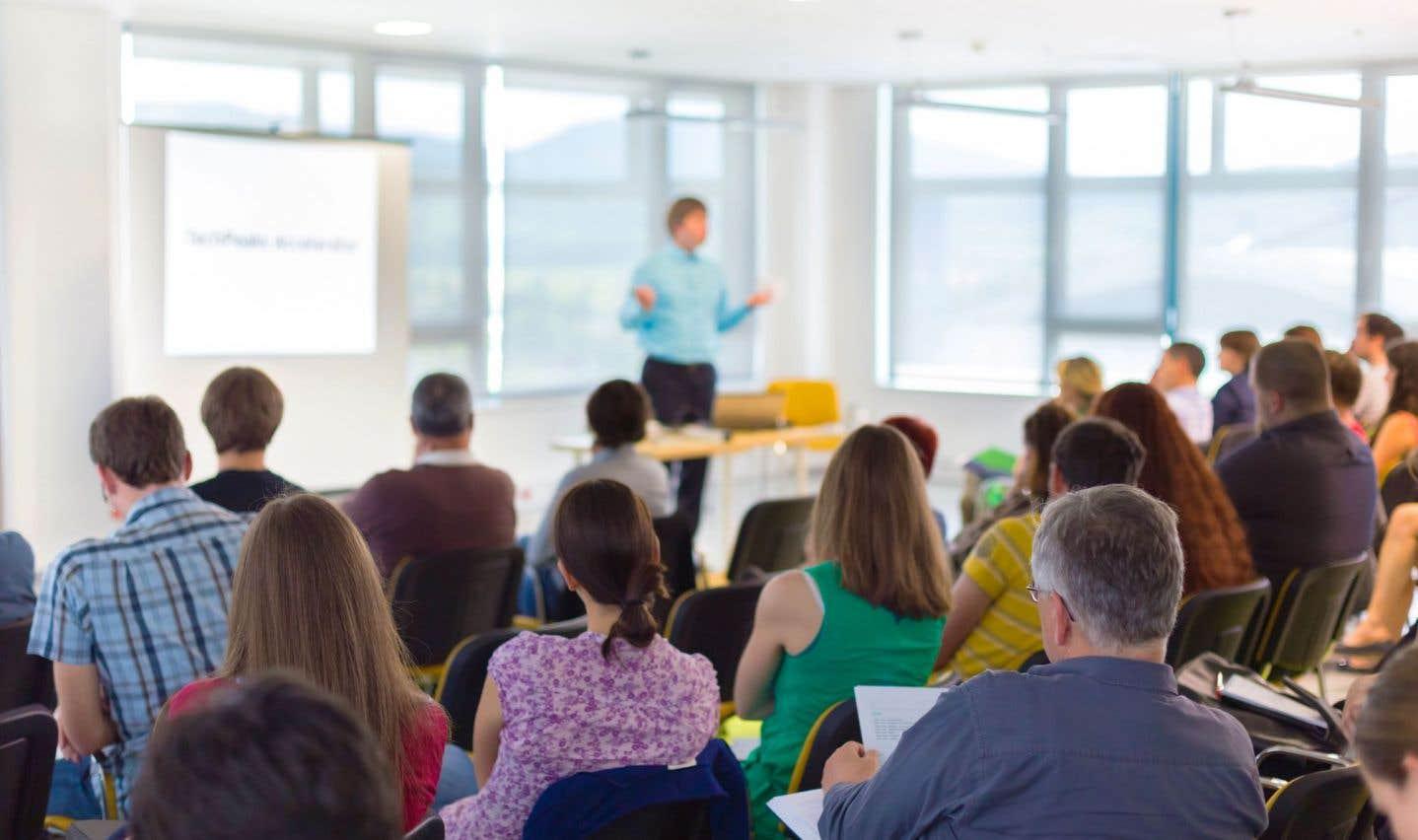 Selon le directeur général de l'ICEA, Daniel Baril, il faudrait que le large éventail des services éducatifs fournis par l'éducation des adultes se retrouve dans la nouvelle politique sur la réussite scolaire.