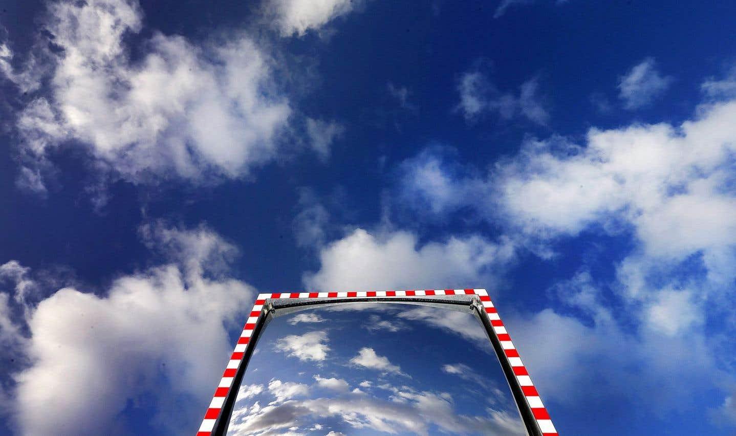 La tête dans les nouveaux nuages