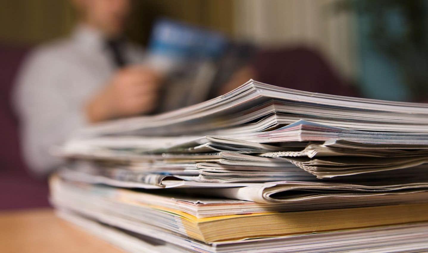 Au total, les journaux papier, la presse magazine et le secteur de l'édition de livres ont perdu 333 781 emplois, soit la moitié de leurs effectifs (50,2%), en 15 ans.